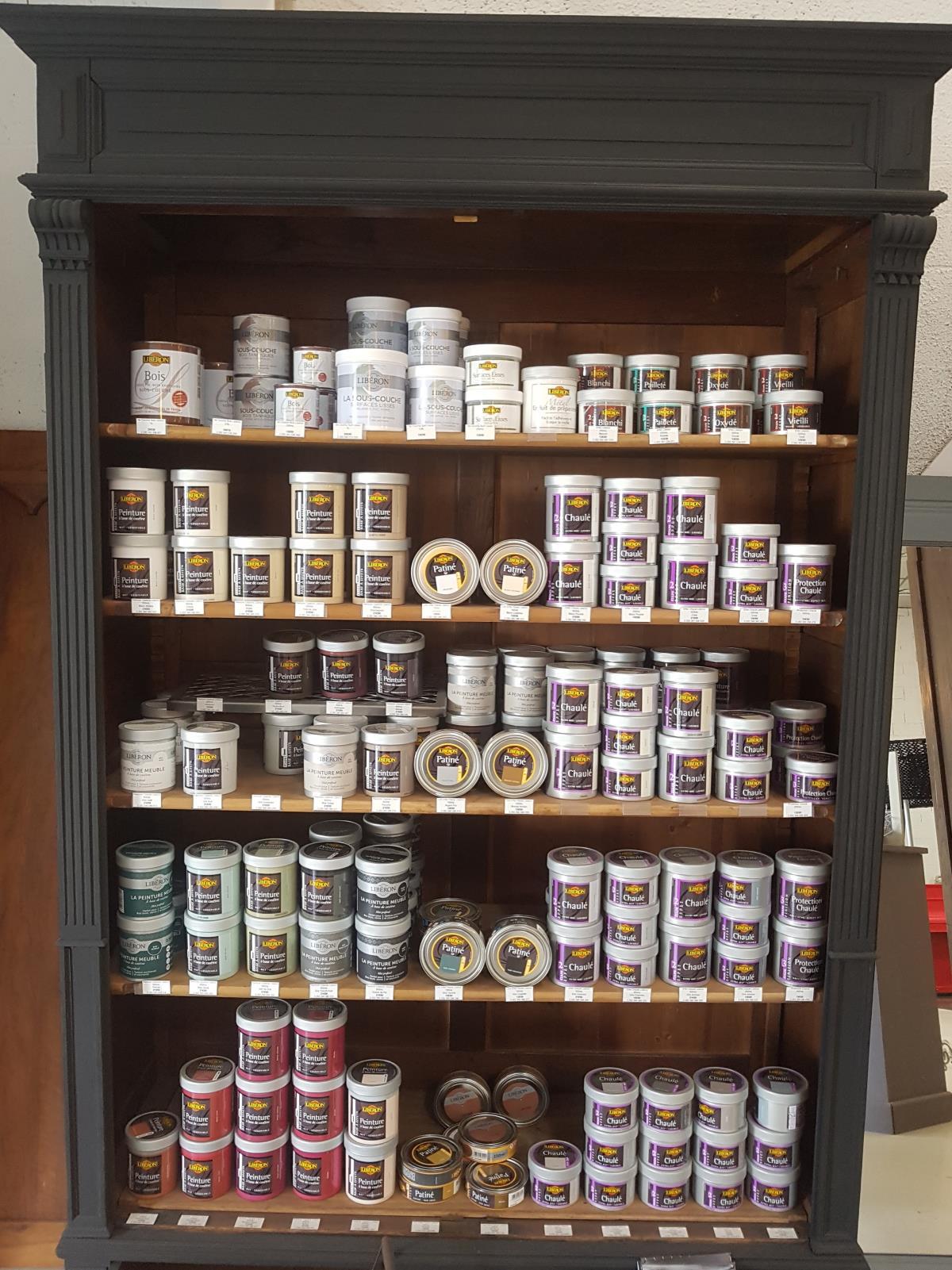 Vernis Ou Vitrificateur Sur Un Meuble Peint magasin vente peinture vernis pour rénovation de meubles